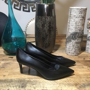 Saint Laurent Black Leather Kitten Heel Pumps